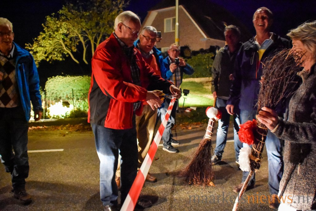 Gezellige opening boerderijverlichting   Maarkelsnieuws nl
